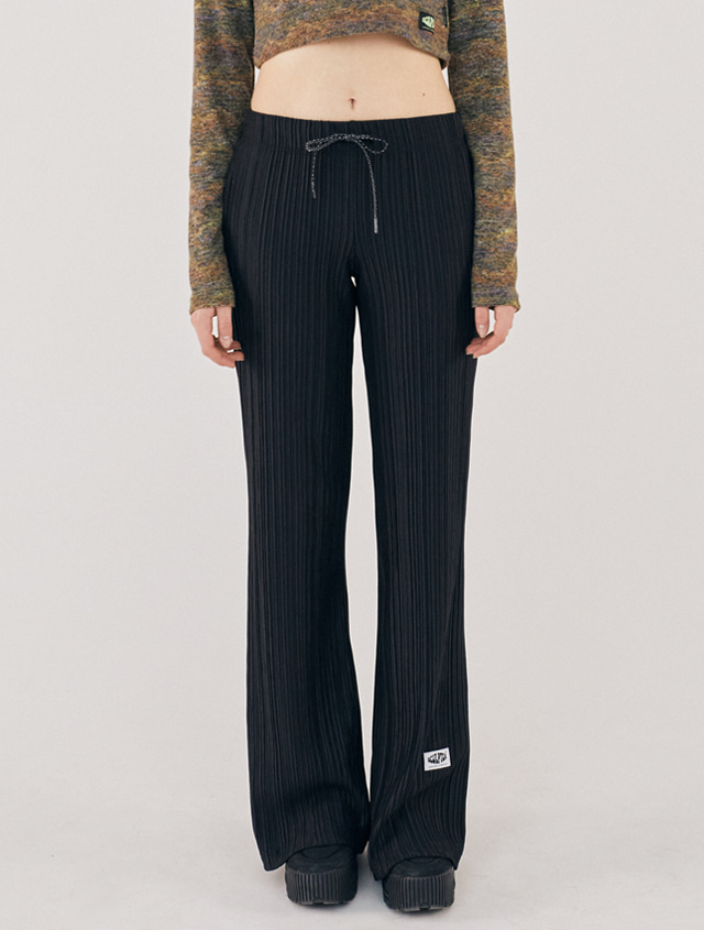 [2/21(금) 예약배송][SSS] PLEATED FLARE PANTS [BLACK]